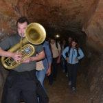 s-harmoniko-skozi-postojsnko-jamo (52)