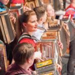 koncert-vecer-diatonicne-harmonike-in-smeha-2019 (17)